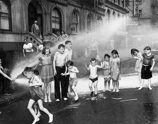 Weegee, Children Playinig